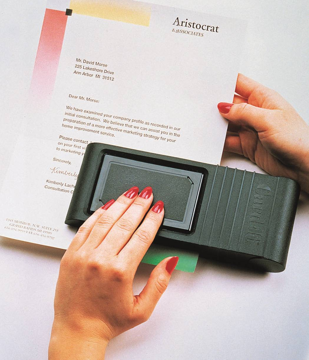 BUSINESS CARD SLOT PUNCHER
